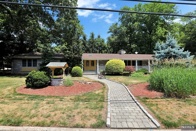 Photo of 160 Engle Street, Cresskill, NJ 07626