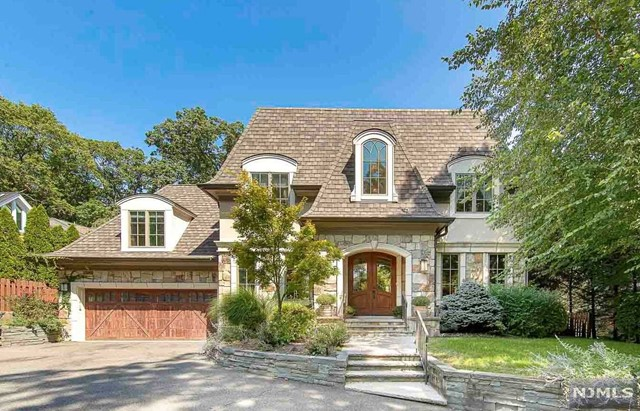 Photo of 35 Forest Road, Tenafly, NJ 07670