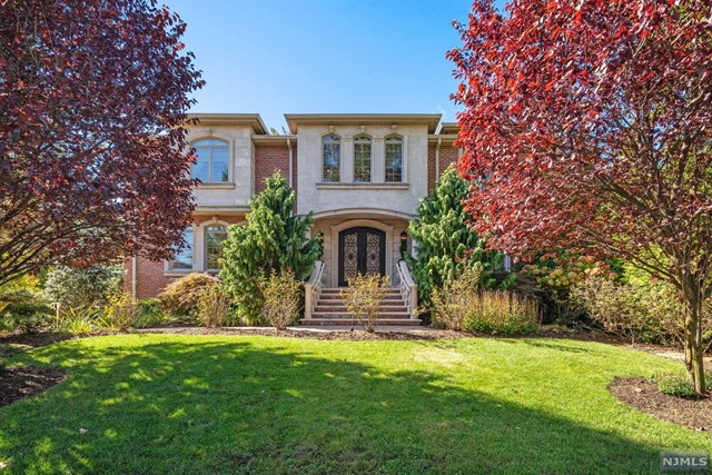 Photo of 154 Charlotte Place, Englewood Cliffs, NJ 07632